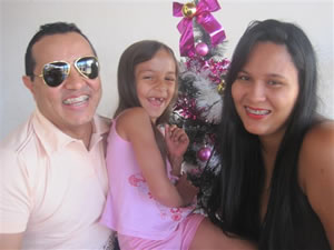 Paulo Apóstolo com a filha Fernanda Corrêa aniversariante do dia 22, e a mãe Melissa