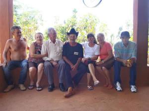 João Ferreira de Souza, ao lado dos irmãos durante reencontro em Araguari. Foto: Divulgação