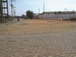 As vias do Distrito Industrial encontram-se em péssimas condições. Foto: Gazeta do Triângulo