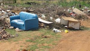 A quantidade de lixo tem resultado em diversos transtornos, principalmente em relação à saúde. Foto: Gazeta do Triângulo