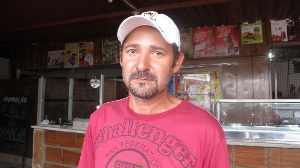 """""""Sou a favor da greve. A população precisa tomar atitudes, quem sabe assim os políticos façam alguma coisa para o país. Em Araguari, por exemplo, a saúde está um caos"""". Alex dos Santos Oliveira"""