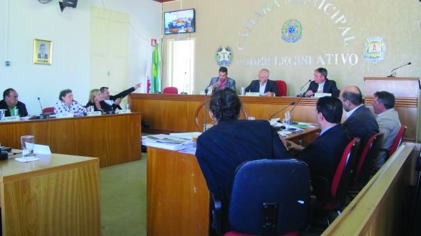 Sessão ordinária iniciou às 8h e finalizou por volta das 11h30