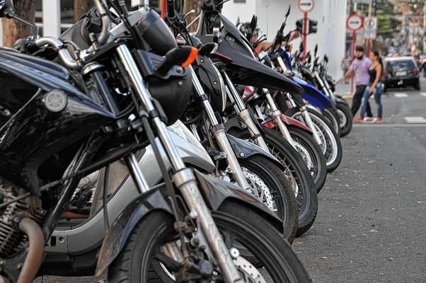 Mais de 26 mil motos trafegam pelo trânsito do município ** Divulgação