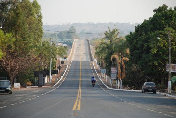 Ponte Quinca Mariano sobre o rio Paranaíba ligando a MG-143 à GO-139