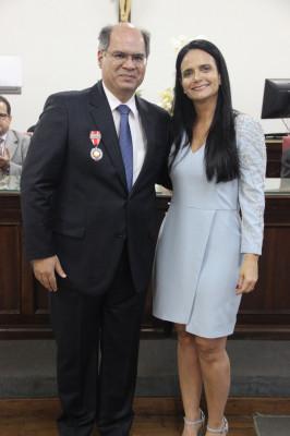 """Juiz Carlos Cordeiro é agraciado com a Medalha """"Desembargador Hélio Costa"""""""
