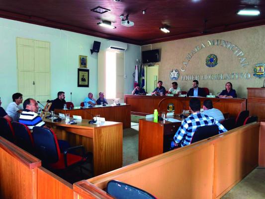 Durante sessão legislativa, três matérias de autoria do Executivo foram aprovadas pelos edis