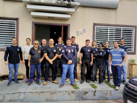 Policiais envolvidos na operação ** Divulgação