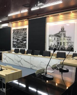 Depois de reforma completa na parte externa e interna, Câmara Municipal volta a receber sessões nesta terça, 11