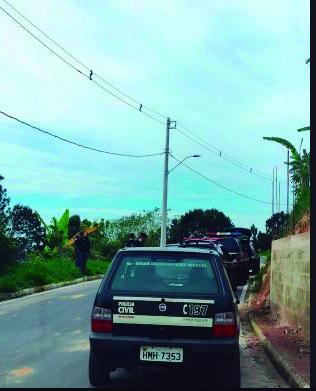 Vários locais foram visitados pelos policiais civis em Araguari na busca por alvos da operação